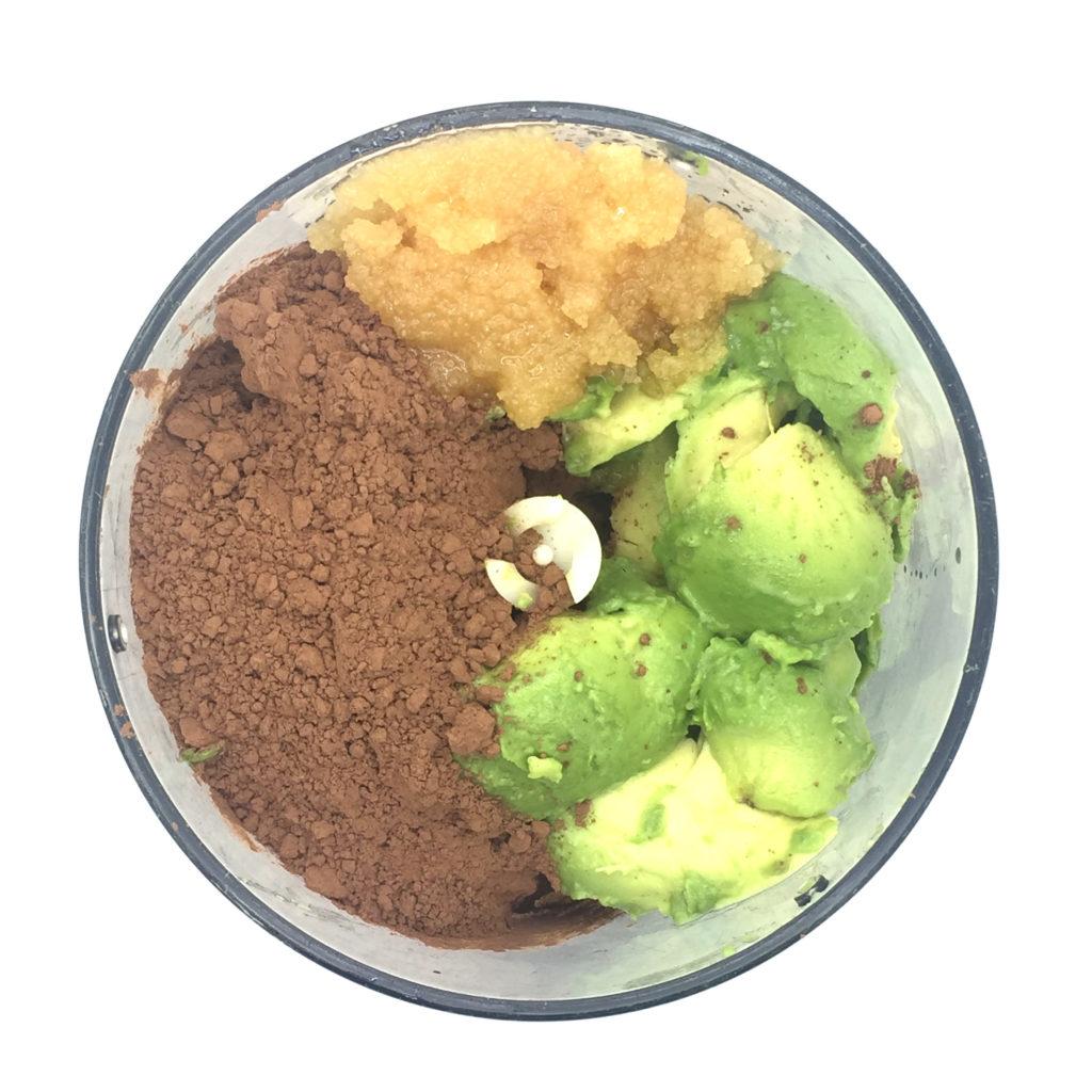 cacao, aguacate y miel en procesadora